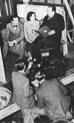 Redgrave & Lockwood with Hitchcock on the set of The Lady Vanishes (1938)